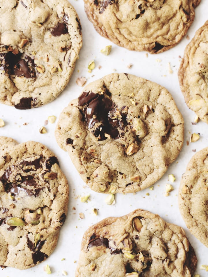 toasted pistachio dark chocolate cookies