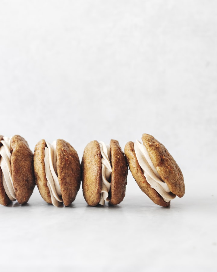 A row of carrot cake whoopie pies